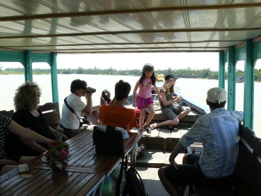hoian_boot_beach6